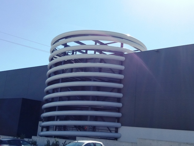 Ressort géant en usine de ressorts