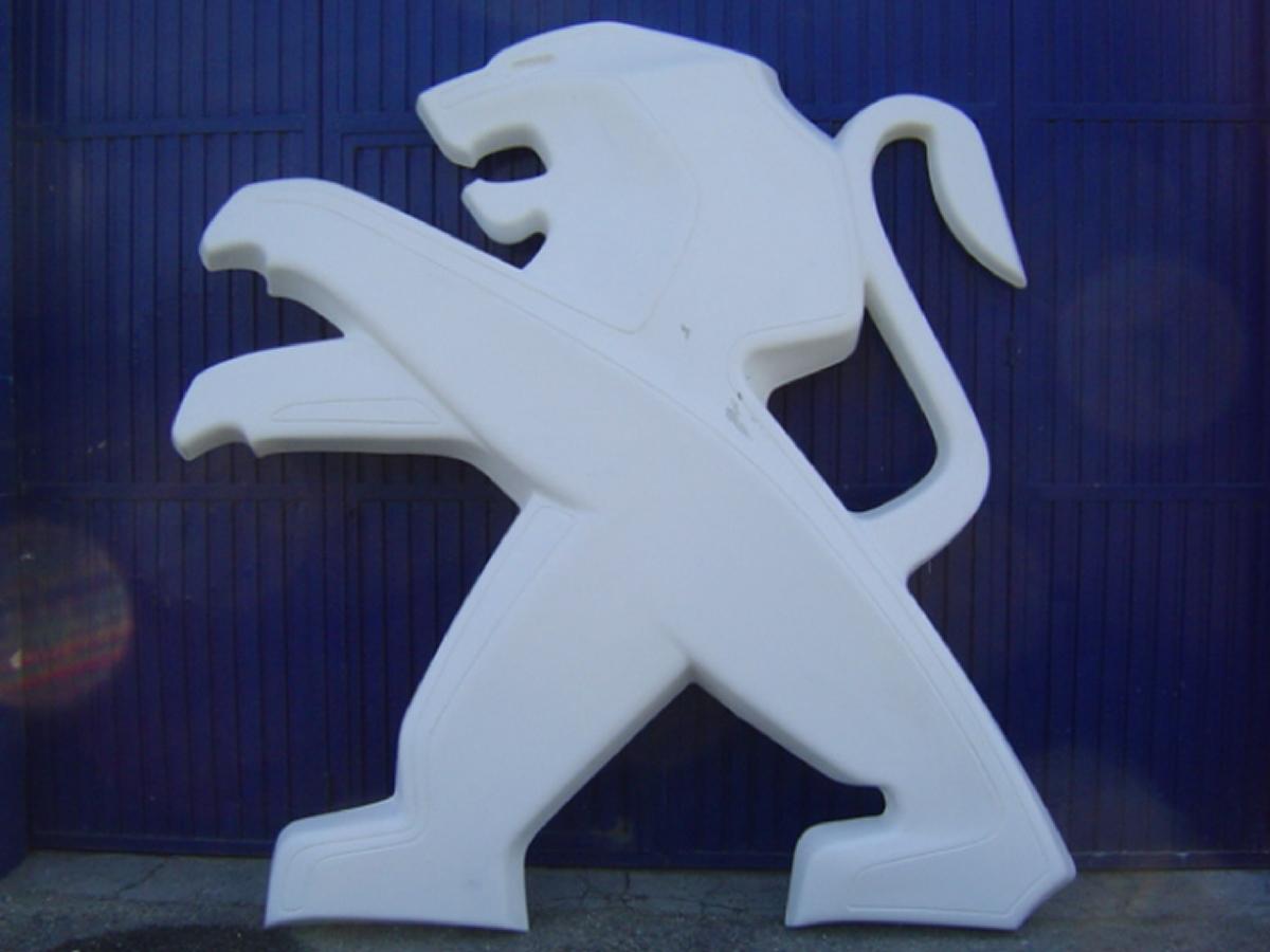 Logo Peugeot en fibre de verre